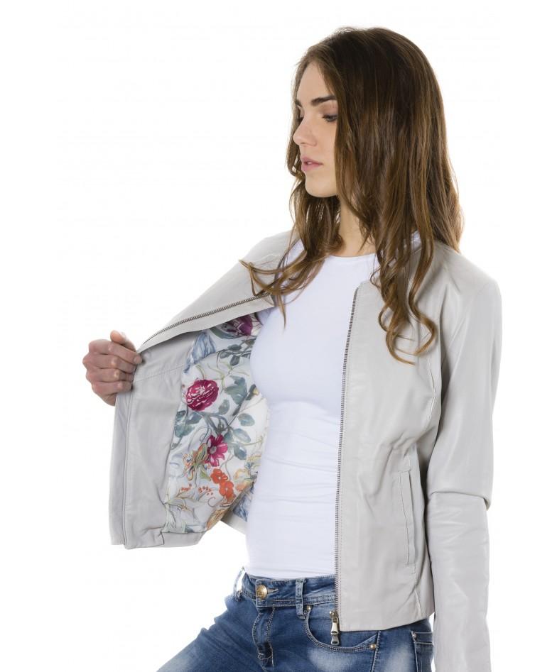 giacca-in-pelle-comfort-fit-da-donna-con-zip-centrale-e-girocollo-color-ghiaccio-p151 (1)