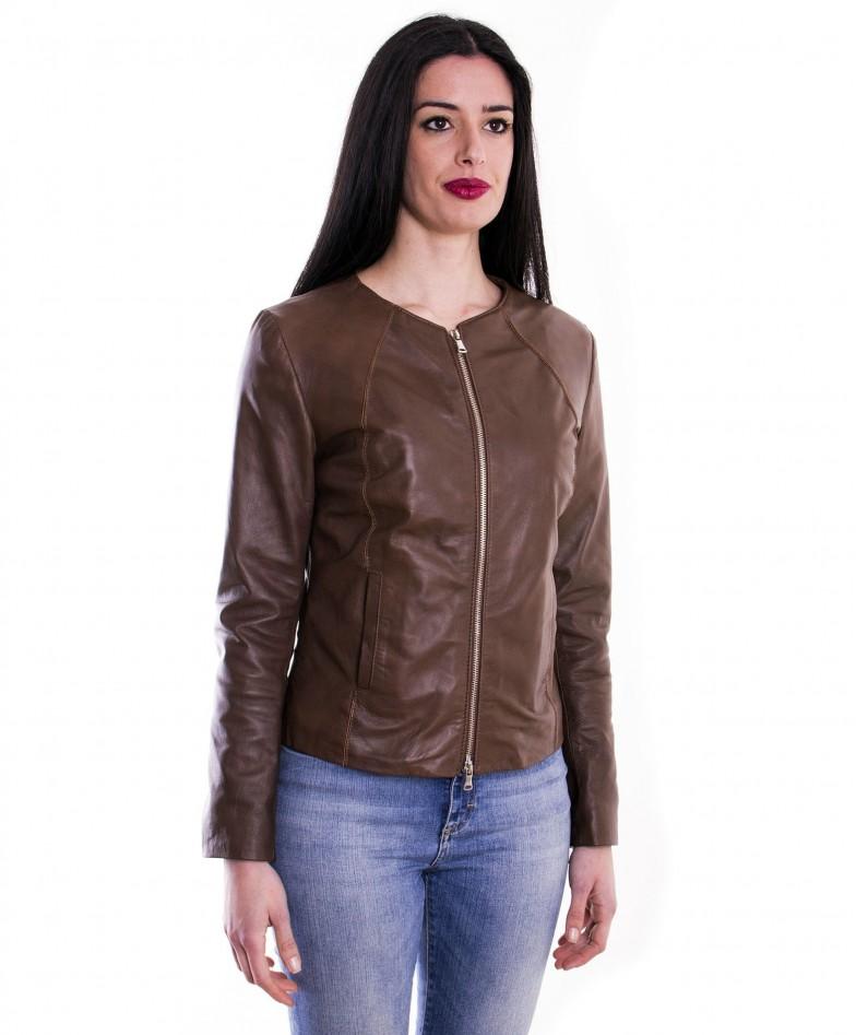 giacca-in-pelle-comfort-fit-da-donna-con-zip-centrale-e-girocollo-marrone-p151 (2)