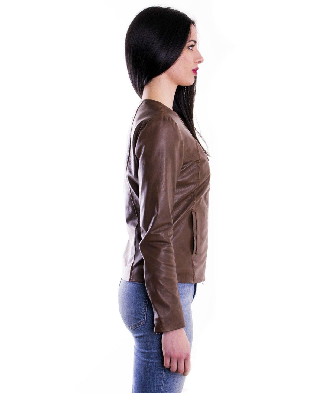 giacca-in-pelle-comfort-fit-da-donna-con-zip-centrale-e-girocollo-marrone-p151 (3)