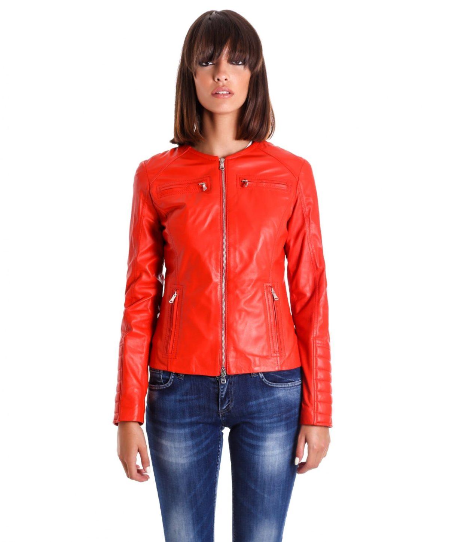 giacca-in-pelle-da-donna-modello-chiodo-biker-trapuntata-e-girocollo-rosso-m890-