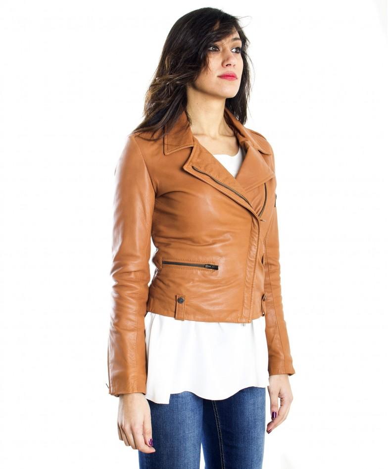 giacca-in-pelle-da-donna-modello-chiodo-biker-zip-trasversale-color-rosso-barbara- (2)