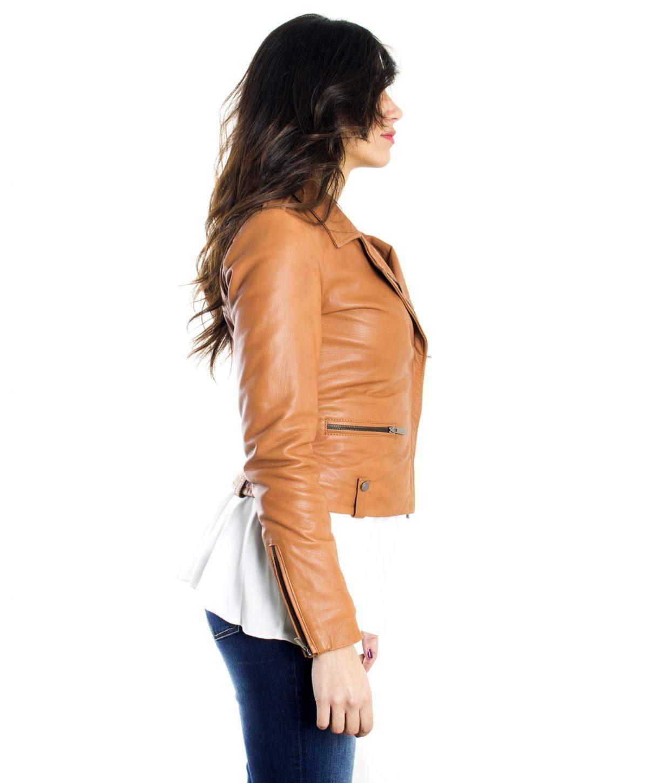 giacca-in-pelle-da-donna-modello-chiodo-biker-zip-trasversale-color-rosso-barbara- (4)