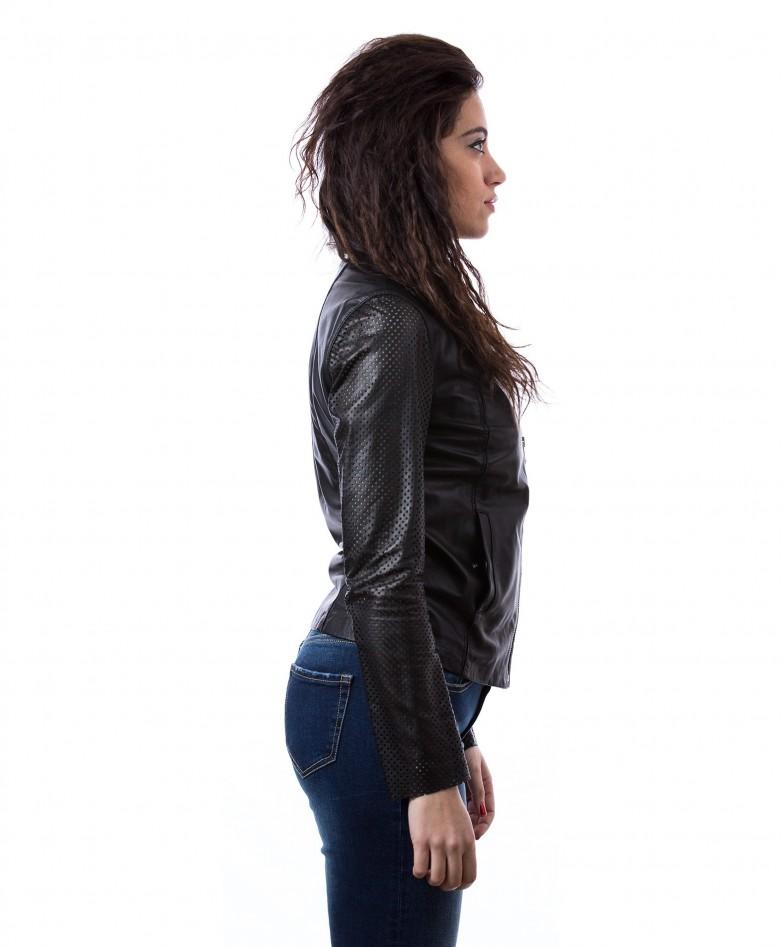 giacca-in-pelle-da-donna-vera-pelle-con-zip-centrale-e-girocollo-nero-clear (2)