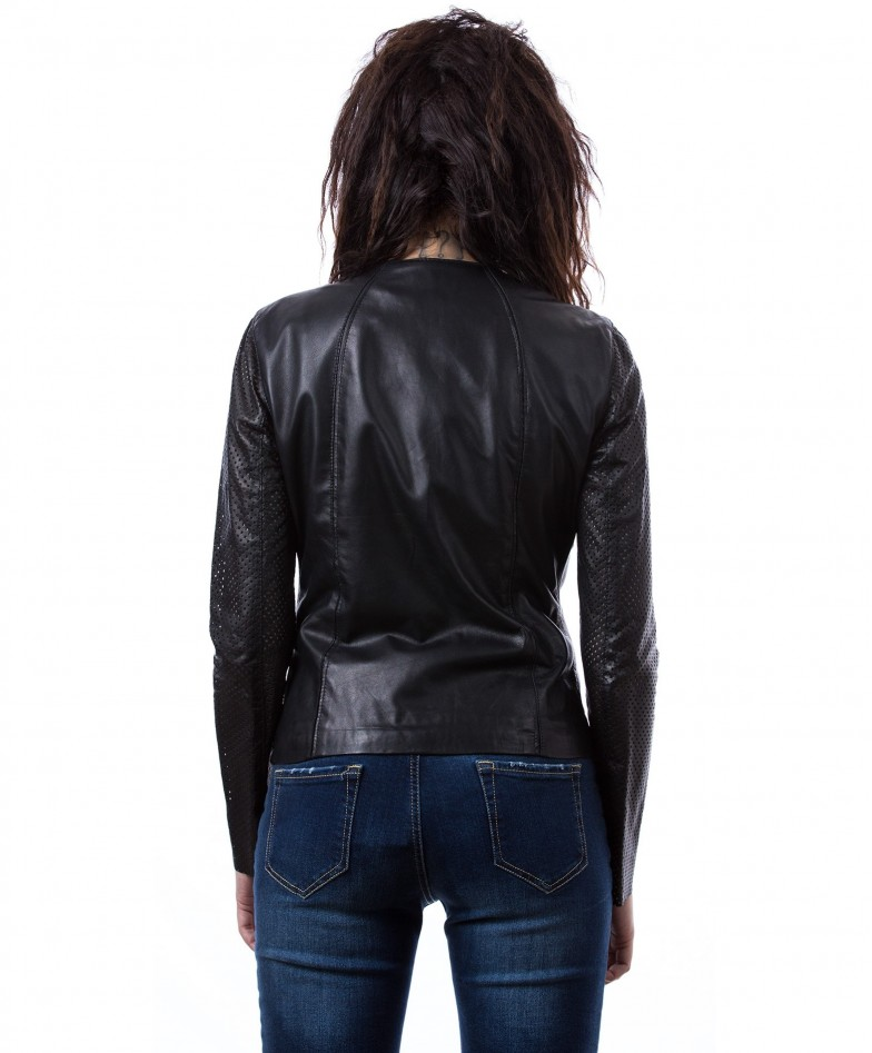 giacca-in-pelle-da-donna-vera-pelle-con-zip-centrale-e-girocollo-nero-clear (3)