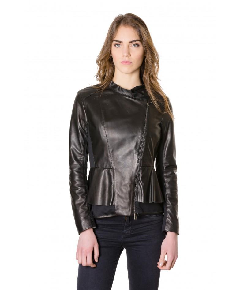 giacca-in-pelle-donna-con-balze-modello-chiodo-biker-con-zip-trasversale-colore-nero-clips-