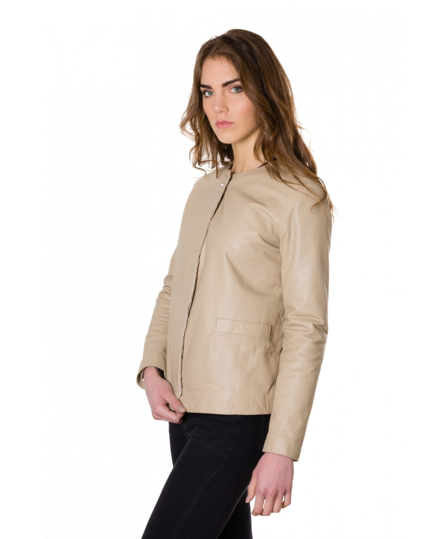 giacca-in-pelle-donna-con-chiusura-a-borsa-e-girocollo-color-crema-f102 (2)