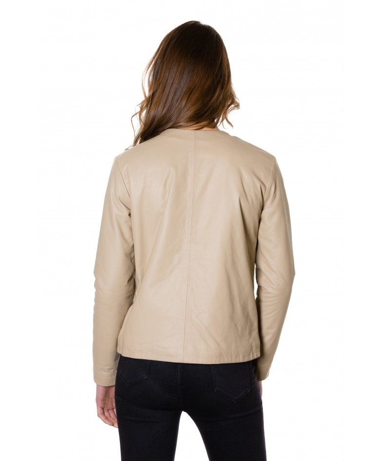 giacca-in-pelle-donna-con-chiusura-a-borsa-e-girocollo-color-crema-f102 (3)