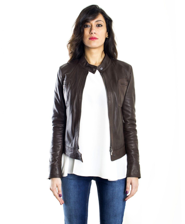 giacca-in-pelle-donna-modello-biker-con-collo-mao-e-taschini-colore-testa-di-moro (3)