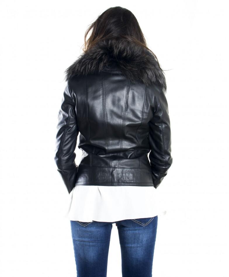 giacca-in-pelle-donna-modello-chiodo-biker-con-zip-trasversale-colore-nero-f202-collo-volpe (3)