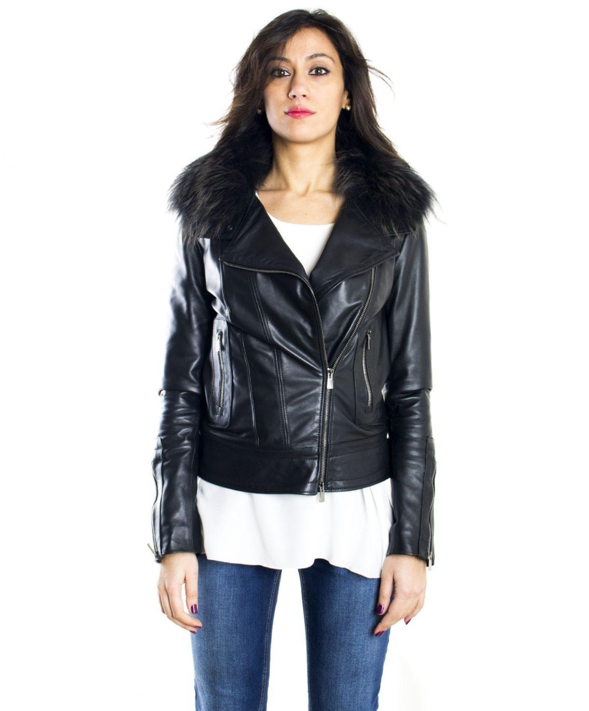 giacca-in-pelle-donna-modello-chiodo-biker-con-zip-trasversale-colore-nero-f202-collo-volpe
