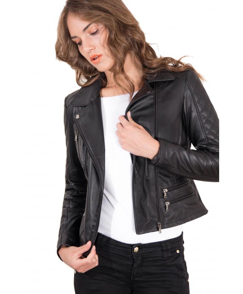 giacca-in-pelle-donna-trapuntata-sulle-spalle-modello-chiodo-biker-zip-trasversale-colore-nero-nadia (1)