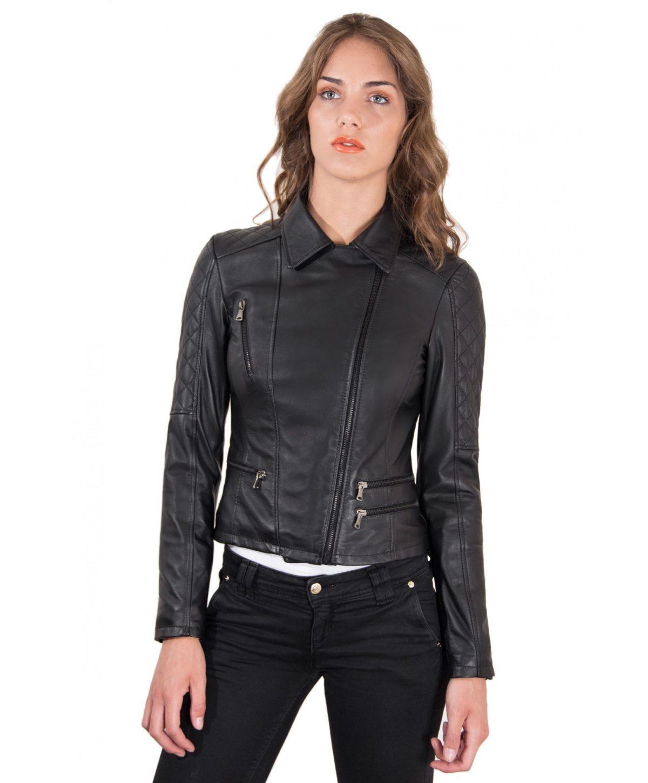 giacca-in-pelle-donna-trapuntata-sulle-spalle-modello-chiodo-biker-zip-trasversale-colore-nero-nadia
