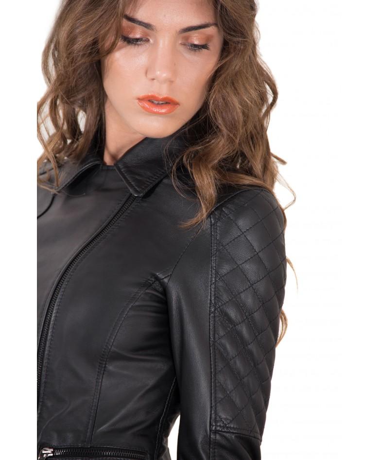 giacca-in-pelle-donna-trapuntata-sulle-spalle-modello-chiodo-biker-zip-trasversale-colore-nero-nadia (2)