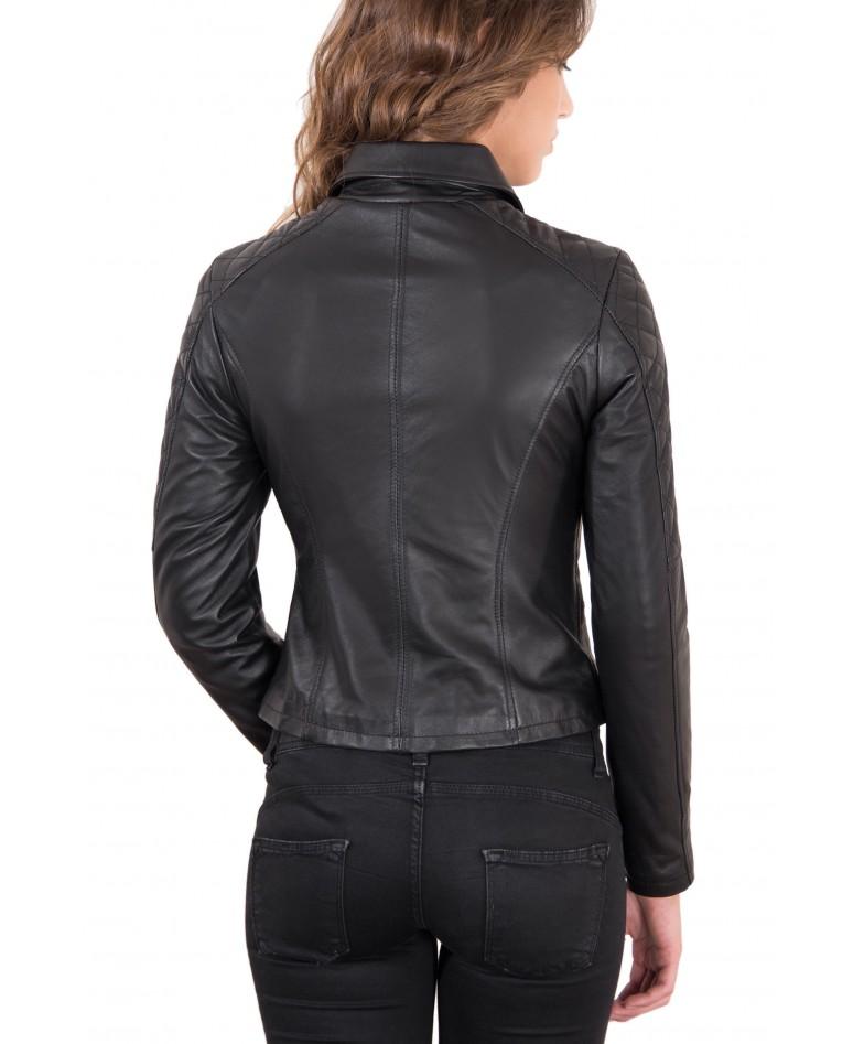 giacca-in-pelle-donna-trapuntata-sulle-spalle-modello-chiodo-biker-zip-trasversale-colore-nero-nadia (4)