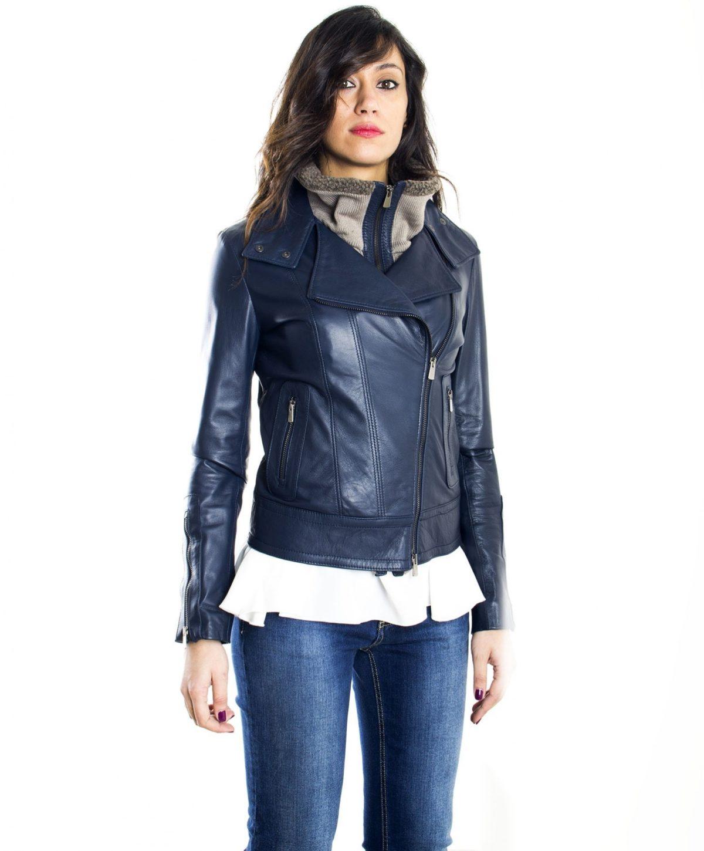 giubbotto-in-pelle-donna-modello-chiodo-biker-con-zip-trasversale-colore-blu-f202 (2)