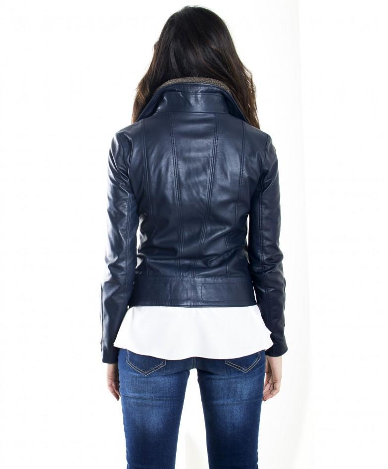 giubbotto-in-pelle-donna-modello-chiodo-biker-con-zip-trasversale-colore-blu-f202 (3)