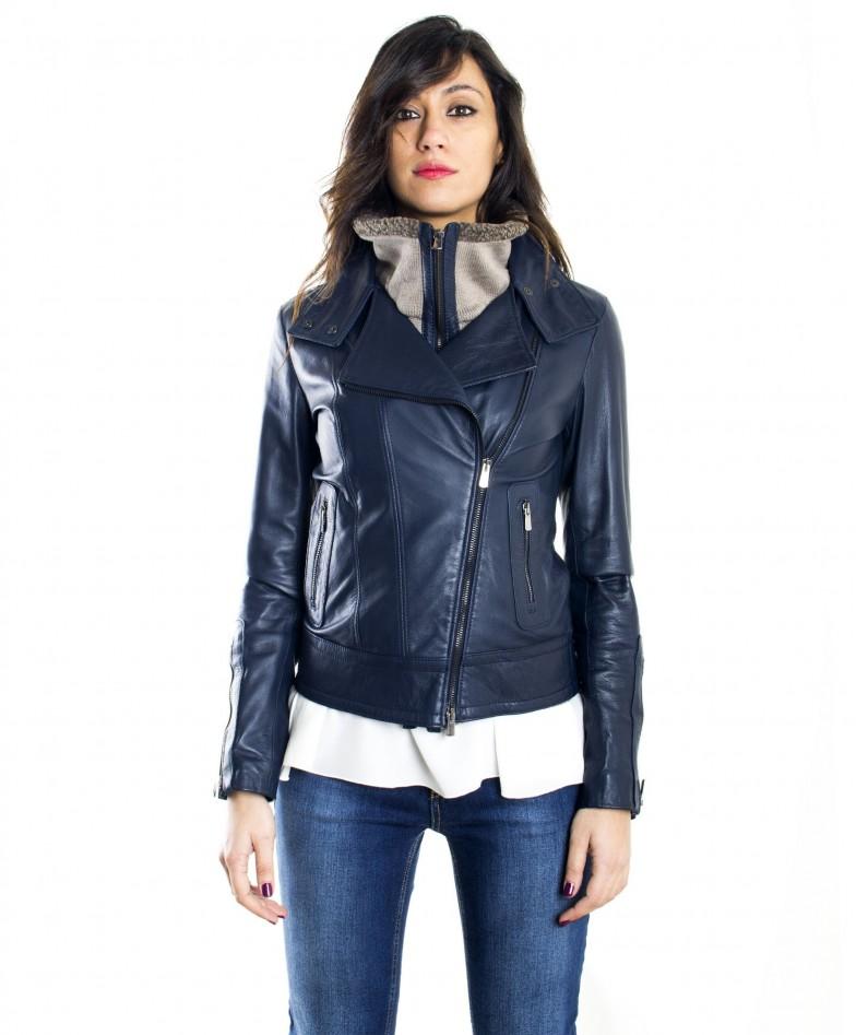 giubbotto-in-pelle-donna-modello-chiodo-biker-con-zip-trasversale-colore-blu-f202