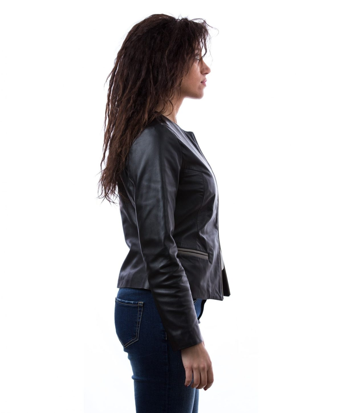 womens-short-leather-jacket-in-genuine-lamb-leather-and-round-neck-black-clear (1)