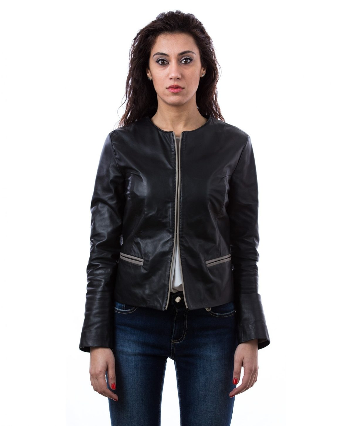 womens-short-leather-jacket-in-genuine-lamb-leather-and-round-neck-black-clear