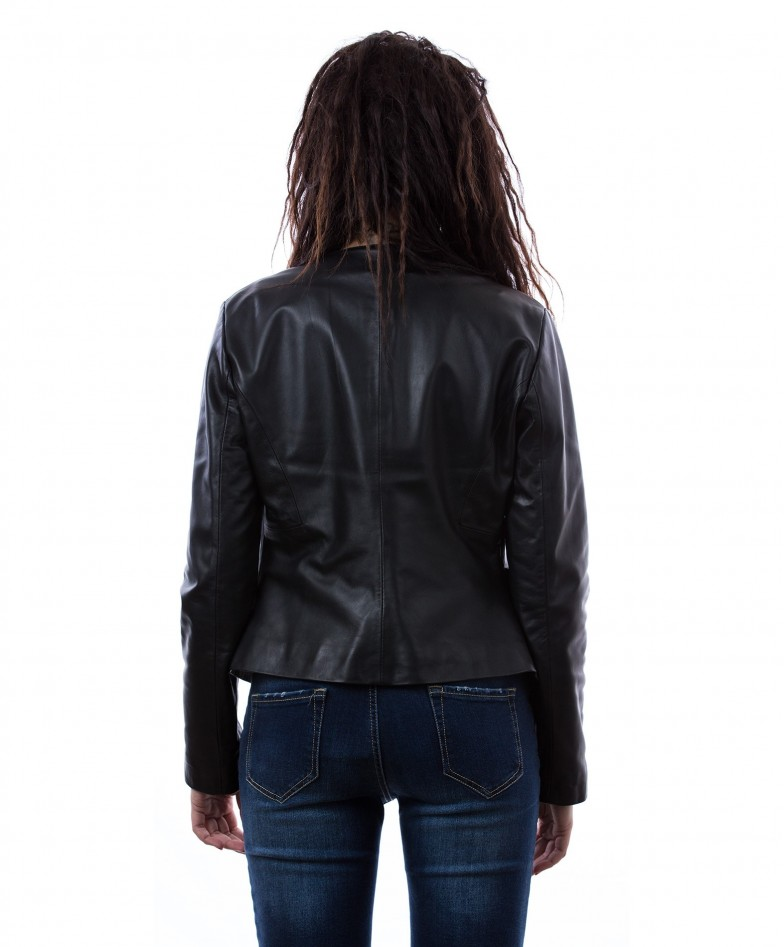 womens-short-leather-jacket-in-genuine-lamb-leather-and-round-neck-black-clear (2)
